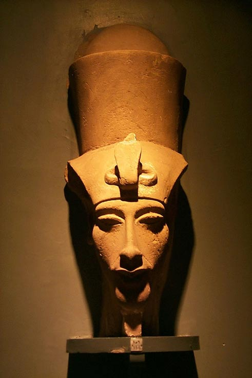 A Bust of Amenhotep IV/Akhenaten in the Luxor Museum, Egypt.