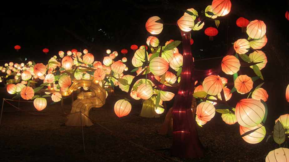 In Chinese myth, peaches symbolize immortality. This art installation of pretty lantern peaches highlights the significance of the Immortal Peach—that if you eat these peaches you will live a very long and healthy life.